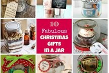 10 Fabulous Homemade Christmas Gifts in a Jar / 10 Fabulous Homemade Christmas Gifts in a Jar