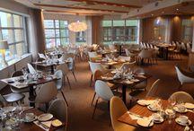 Hotel Riverton: Riverside restaurant / En bra start på dagen är viktig. Börja dagen med något du tycker om. Vår frukostbuffé serveras på Restaurang Riverside och har något för alla. Restaurang Riverside kan abonneras av både företag och privatpersoner för större kvällsmiddagar, privata arragemang och fester. Den ligger i direkt anslutning till vår kongresshall som kan nyttjas för allt från konferens till mingel och dans. / by Hotel Riverton