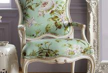 székek...chairs