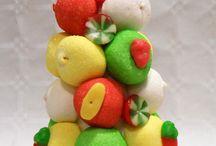 Creaciones navideñas, chuches, gominolas, golosinas, candy, navidad, bombones, ferrero. / Creaciones con gominolas, bombones, caramelos, etc, orientadas a las fiestas navideñas.