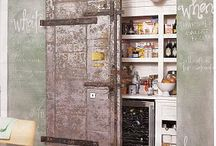 Home :: Walk-in Pantry