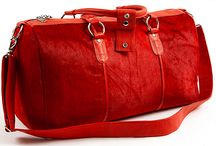 3.7.6. Weekender Bag VRG912 (314632) / Fire red hide and natural leather, red fabric inside Size (mm) 540 x 230 x 300