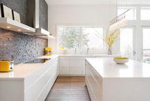 Ściany z cegieł w kuchni