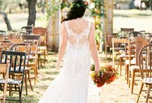 Fall Weddings / Enjoy the romance and colors in this beautiful season.
