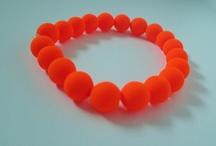 Pulseritas / Estas son algunas de las pulseritas que podéis lucir este verano gracias a Chispitas de Color