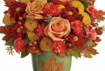 Fall Flowers / The colors of fall brings gorgeous warm reds, burnt orange and soft yellow and gold. Celebrate the season with flowers and gifts for your home or for someone special. Get more ideas at www.Campbellsflower.com