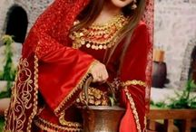 Iranian traditional clothes