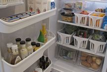 Kitchen Organizing / Everything you need to organize your kitchen - from pantries, to fridges, to cupboards & drawers!