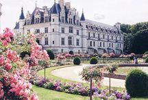 Culture addict / Vous les connaissez peut-être ou rêvez de les visiter... Les monuments et sites historiques français sont connus à travers le monde entier pour leur charme et leur grandeur. Découvrez en un tableau les plus beaux sites culturels de France!
