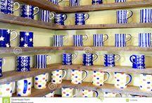 Coffee mug shelving