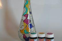 """Glasmalerei DEKA-Farben DEKA-Transparent / professionelle Glasmalfarbe auf Lösungsmittelbasis für die Künstler unter Ihnen. Perfekter Verlauf, brillante Farbtöne. Mit DEKA-Konturenpaste können sie ihr Motiv exakt """"vorzeichnen"""""""