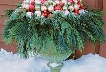 outdoor holiday displays