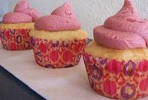 Cupcakes/Cakes / by Tabitha Chmilar