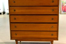 January 11th Uncatalogued Auction / This auction will include our standard selection of antiques, furniture, modern design, glass, porcelain, art, rugs, decorative items and much more. Auction starts at 8:00am.