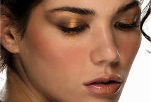 TENDENCIAS 2013 MAQUILLAJE PARA EL DIA / Un rostro fresco pero hermoso para un día laboral, académico o simplemente para la cotidianidad es el deseo de toda mujer, por eso queremos sugerirles unos sencillos pasos para lograrlo. El maquillaje de día debe ser un tipo de maquillaje en el que busques darle vida y luz al rostro dentro de una gama de naturalidad.
