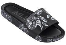 Sliding sandals