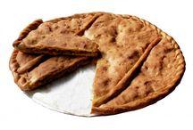 EMPANADA GALLEGA ARTESANAL / Uno de los referentes de la gastronomía gallega. Encarga tu empanada gallega artesana en Orixe Gourmet y en 24horas la servimos en dónde tú nos digas. Lista para comer, sin necesidad de hornear.