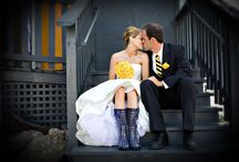 Color Theme Wedding. Yes, Yellow Wedding! / by Nia Person Bridal
