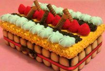 Dolci Biricreazioni / Tanti golosi dolcetti, merendine e gelati interamente realizzati in pannolenci. Tutorial per imparare a realizzarli e molto ancora