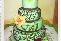 Oooh... Cake / Cake, dressed up real fancy!  / by Jacqueline Gaithe