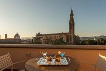 Plaza Hotel Lucchesi - Florence / Beautifully positioned on the banks of the Arno River, the Hotel Plaza Lucchesi has been a symbol of Florentine hospitality ever since it first opened in 1860. Today, the renovated hotel offers its guests an exclusive rooftop bar and pool with a breathtaking view of the city, as well as an original co-working area in a modern, multifunction room with tables, wi-fi and bar.