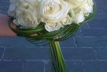 vazby z umělých květin