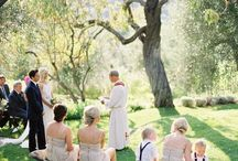 Backyard weddings / by Vicki Dennis
