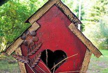 bird houses / by Beni Johnson