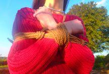 Shibari  - Arbre cassé / Vidéos YouTube : lc.cx/oCc5 Vous pouvez partager librement nos photos.http://Lâcher-Prise.net Lacher_Prise_ Shibari Kinbaku lacher-prise-fr Ropes extérieur cordes femme érotique érotisme attacher Lier bdsm bondage woman Inviter Lacher Prise