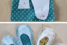 Sapatos de bebê em tecido