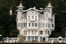 Extraordinary houses