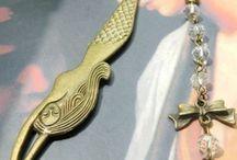 MoraLuna  - Aretes / Para compras de Joyas y Accesorios  WhatsApp 318 248 0086  Collares, aretes, pulceras y lindos obsequios de joyería y accesorios