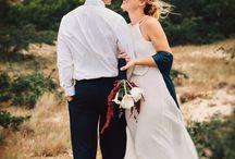Fall wedding inspiration / Wedding inspiration for planning the perfect fall wedding event. Wedding color palettes, fall decor, invitations, wedding dresses, grooms' attire, fall wedding ideas