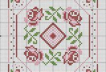 cross stitch biscornu puntaspilli ciondoli e segnalibri