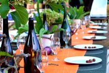 Mise en Place / Il preludio di un ottimo pranzetto o una succulenta cena è una tavola apparecchiata con gusto! Basta poco, niente di complicato; una bella tovaglia , un fiore di campo ,un ramoscello secco o una conchiglia raccolta in riva al mare. La natura è sempre generosa nell'offrirci piacevoli spunti.