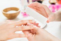 GelTouch / TWÓJ OSOBISTY SALON MANICURE!  Lakier GelTouch zamienia KAŻDY lakier do paznokci w trwały manicure żelowy o wysokim połysku w ciągu zaledwie 60 sekund!