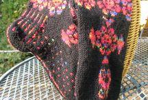 SOCKS   knitting  mes  CHAUSSETTES /ETC / je tricote des chaussettes, I knit socks ( mes réalisations) , je peux envoyer les grilles ...