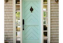 Front Door / Drzwi Wejściowe