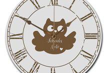 Wanduhr rund / Eine wunderschöne runde Wanduhr aus hochwertigem MDF Holz mit goldenen Zeigern und absolut lautlosem Uhrwerk