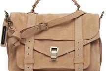 bag lady / by Carolina Sturla
