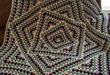 Крючок-бабушкин квадрат необычный