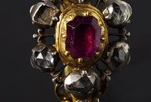 historické šperky