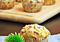 Muffins - Savoury and sweet / This is for when you don't want a full meal, but still need a little something to fill the gap!