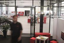 Service Center der Zukunft, München / Am 01.07.2013 hat in der Maria-Probst-Str. 10, Euro-Industriepark in München das größte und modernste Carglass Service Center Deutschlands eröffnet.