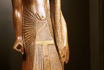 Egipto. / Como una gran cultura milenaria anterior a Creta,Grecia,etc.