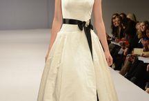 Scoop neckline / by Kari Young Floral Designs