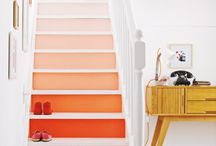 Escaleras pintadas en degradado