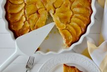 Apple cakes & pies