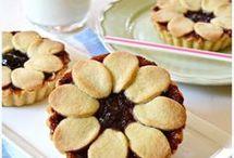 crostatine con crema di ricotta e marmellata di ciliegie