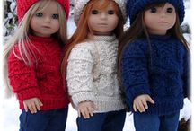 Knitting Dolls / by Sylvia Gauthier